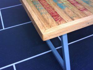 table contemporaine en chêne